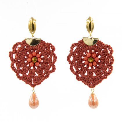 Coral knitted and pearl teardrop earrings.