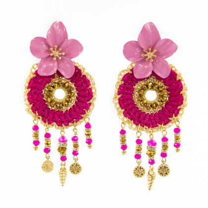 Pink crochet earrings with crystal pendants and metallic flower