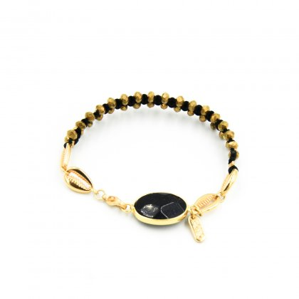 Black onyx and gold plated shell bracelet